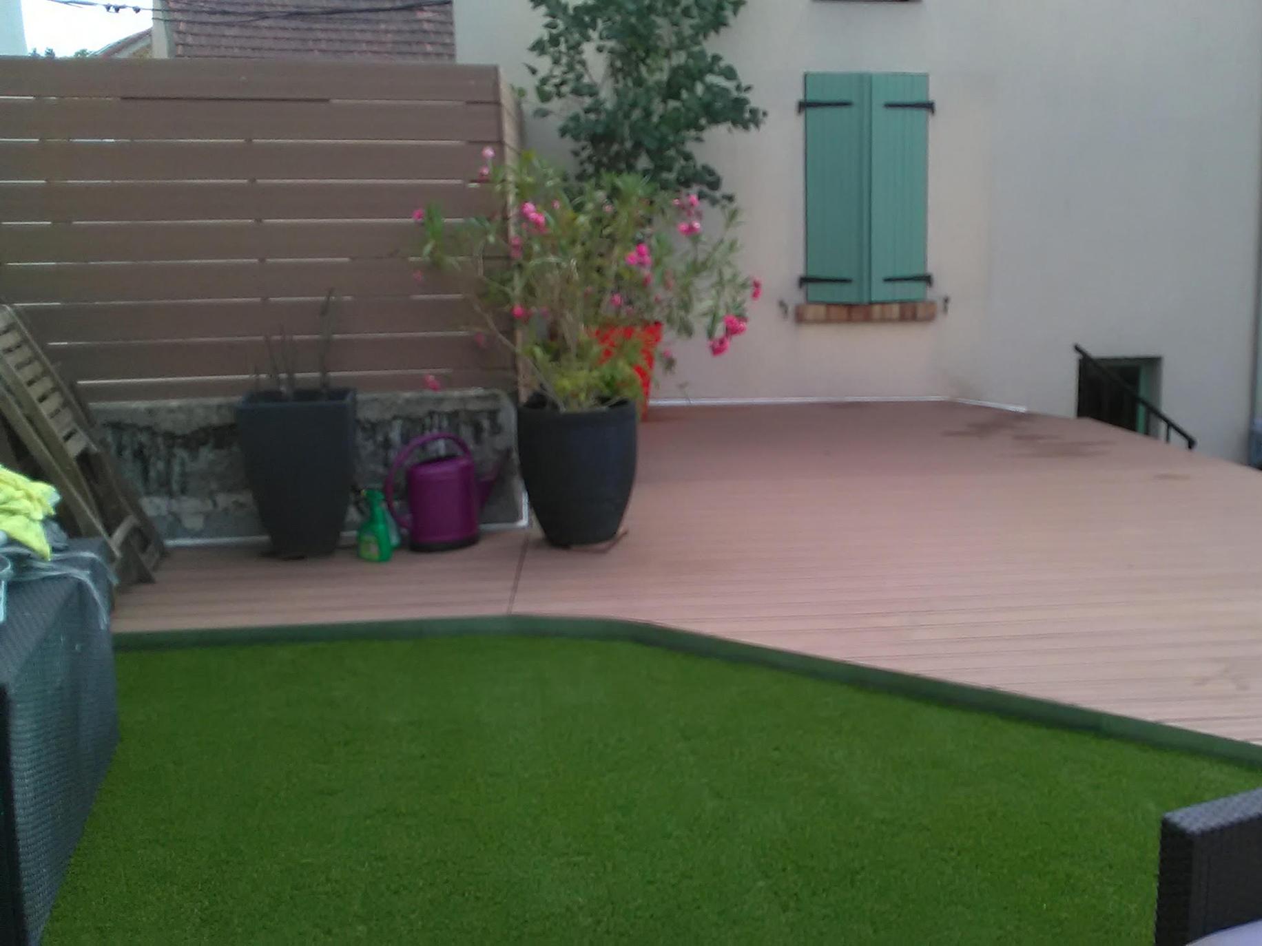 Entretien terrasse par un jardinier professionnel dans le Val d'Oise